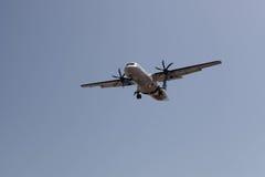 Il rotorcraft si avvicina all'atterraggio Immagini Stock