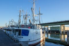 Il ` s del Longliner ha attraccato al terminale del ` s del pescatore a Seattle Washington fotografia stock libera da diritti