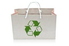 Il sacco di carta con ricicla il segno Fotografia Stock