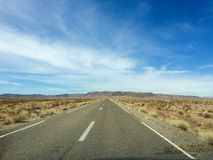 Il Sahara, Marocco: viaggio stradale I giri della jeep sul deserto sono attrazione turistica molto popolare fotografie stock libere da diritti
