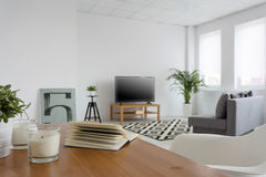 Il salone in un ideale moderno di stile per si rilassa Fotografie Stock