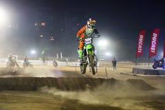 Il salto, corridore India della bici della sporcizia immagine stock