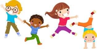 Il salto dei bambini Immagini Stock