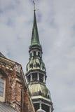 Il san Peters Church è una chiesa luterana alta a Riga, Lettonia Immagini Stock