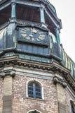 Il san Peters Church è una chiesa luterana alta a Riga, Lettonia Immagini Stock Libere da Diritti