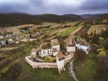 Il sassone di Alma Vii ha fortificato la chiesa nella Transilvania, Romania Fotografie Stock
