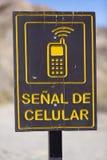 Il segnale stradale cellulare del segnale all'alcazar di EL passa sopra a ruta 40, Argenti Immagine Stock Libera da Diritti