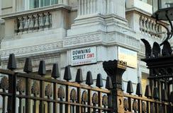 Il segnale stradale del Downing Street Fotografia Stock Libera da Diritti