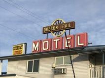 Il segno del motel della traccia dell'Oregon fotografia stock