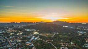 Il segno della nuova terra nell'intersezione di Phuket Darasamuth Immagini Stock
