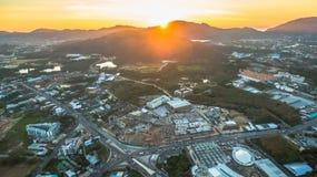Il segno della nuova terra nell'intersezione di Phuket Darasamuth Immagine Stock