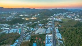 Il segno della nuova terra nell'intersezione di Phuket Darasamuth Fotografia Stock Libera da Diritti