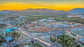 Il segno della nuova terra nell'intersezione di Phuket Darasamuth Fotografia Stock