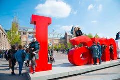 Il segno di I Amsterdam davanti al Rijksmuseum Immagine Stock