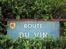 Il segno di via del francese famoso wines strada Fotografie Stock Libere da Diritti