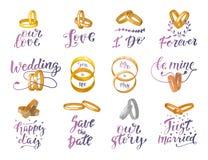 Il segno e gli anelli di nozze citano il testo o wed l'iscrizione con i weddingrings e la calligrafia testuale per l'invito del m Fotografie Stock Libere da Diritti