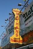 Il segno originale del ristorante del Nathan a Coney Island, New York Fotografie Stock Libere da Diritti