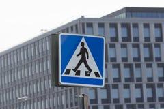 Il sentiero per pedoni firma dentro il cuore del centro urbano di Stoccolma Svezia Fotografie Stock