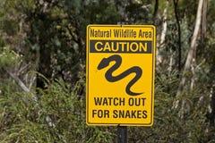 Il serpente di cautela serpeggia il segno Australia Immagini Stock