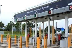 Il servizio di Eurotunnel controlla le cabine Immagini Stock Libere da Diritti