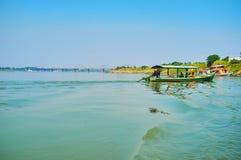 Il servizio di traghetto del fiume di Myitnge, Ava fotografie stock libere da diritti