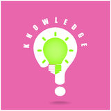 Il simbolo della lampadina ed il punto interrogativo creativi firmano su fondo Immagini Stock Libere da Diritti