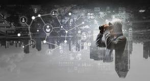 Il sociale cattura con la rete il pirata informatico Media misti Fotografie Stock