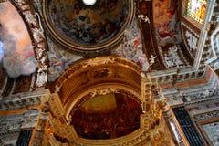 Il soffitto della chiesa di Santa Maria della Vittoria immagine stock