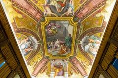 Il soffitto in una delle gallerie dei musei del Vaticano Fotografie Stock Libere da Diritti