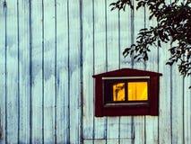 Il sole è riflesso nella finestra del mio granaio Fotografia Stock Libera da Diritti