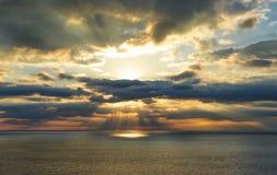 Alba sopra il mare fotografie stock libere da diritti