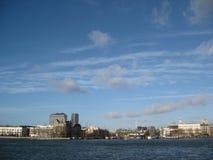 Il sole di pomeriggio sopra il porto a Rotterdam, Paesi Bassi fotografia stock libera da diritti