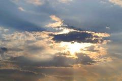 Il sole fra le nuvole Immagine Stock Libera da Diritti