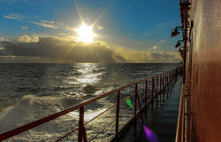 Il sole sopra il mare Fotografie Stock