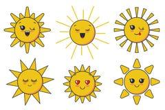 Il sole sorridente sveglio di vettore affronta per progettazione del bambino royalty illustrazione gratis