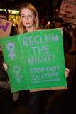 Il solo marzo delle donne nel recupero di Londra la notte 2014 Immagini Stock