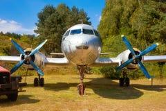 IL 14, stary Rosyjski militarny śmigłowy airplaine na starym ai Zdjęcie Stock