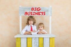 Il successo, comincia su e concetto di idea di affari immagini stock