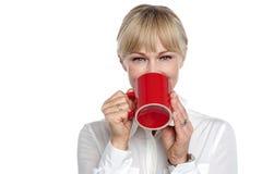 Il suo tempo per una pausa caffè Immagine Stock