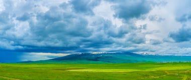 Il supporto Aragats in nuvole Immagini Stock Libere da Diritti