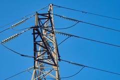 Il supporto della linea di trasmissione ad alta tensione Fotografia Stock