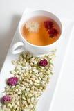 Il tè di fioritura ed asciuga i fiori Immagini Stock Libere da Diritti