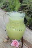 Il tè verde ed il latte ghiacciati è deliziosi Fotografia Stock Libera da Diritti