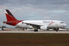 Il TACA Airbus A319 Fotografia Stock Libera da Diritti