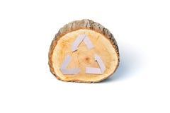 Il taglio di legno del primo piano e ricicla il simbolo Immagine Stock