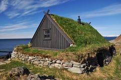 Il tappeto erboso tradizionale ha coperto la casa, Islanda Fotografia Stock Libera da Diritti