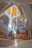 Il tappeto sul pavimento è pavimentato nel modello di marmo nel Sepul santo Fotografia Stock
