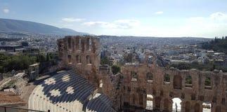 Il teatro dell'attico di Herodion sotto le rovine dell'acropoli fotografie stock