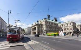 Il teatro dell'opera dello stato (tedesco Staatsoper) di Vienna Immagine Stock Libera da Diritti