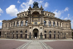Il Teatro dell'Opera di Semper a Dresda immagini stock libere da diritti